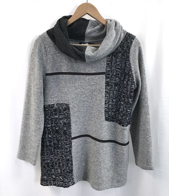 CHANDAIL COL BAVEUX PATCH WORK gris